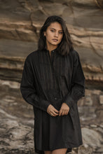 Mes Demoiselles - Carpeaux black shirt