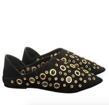 LB  - Black eyelet shoes