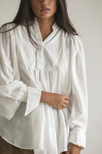 LB - Sol white blouse