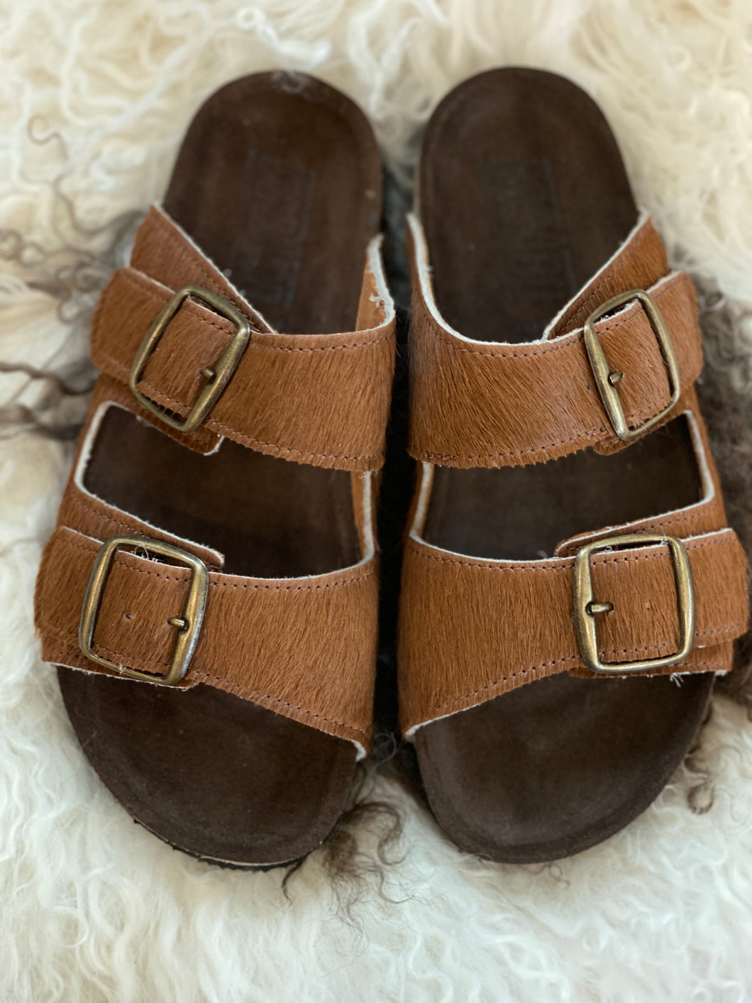 Tabacco double buckle sandals