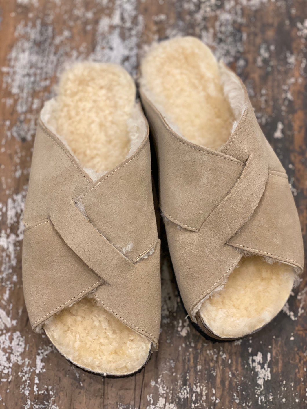 suede fur cross over sandals