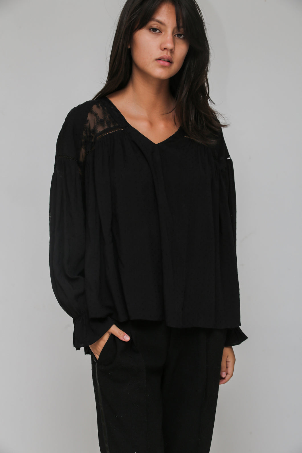 lyre blouse black