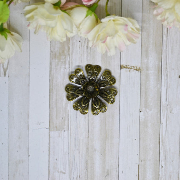 Antique Bronze 3D Metal Daisy