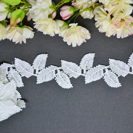 Seven Paper Dolls Pearls White