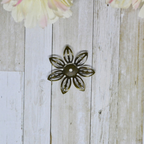 Antique Bronze Metal Open Daisy 2.7cm
