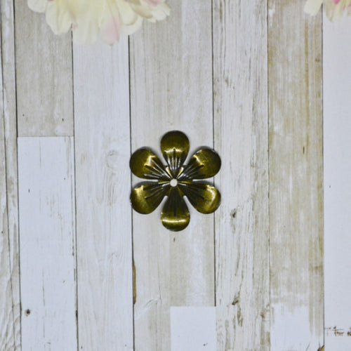 Antique Bronze Metal Phlox 2.8cm