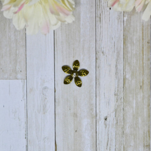 Antique Bronze Metal Tiny Daisy 1.5cm