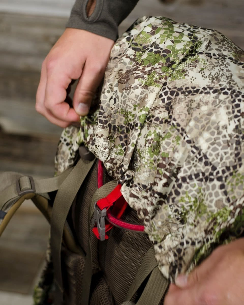 Badlands Pack Rain Cover Approach Top Cinch