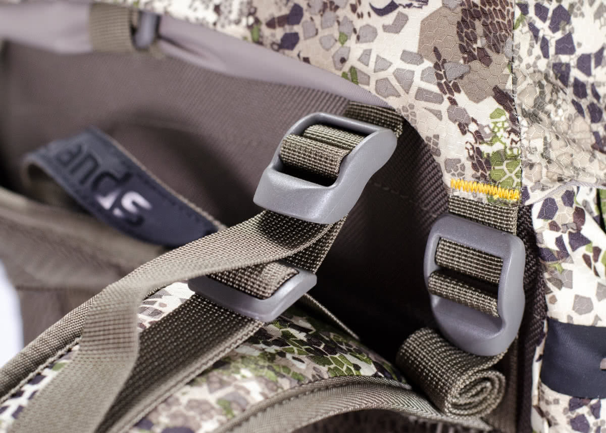Badlands Packs Sacrifice LS Hunting Multi Day Backpack Buckles