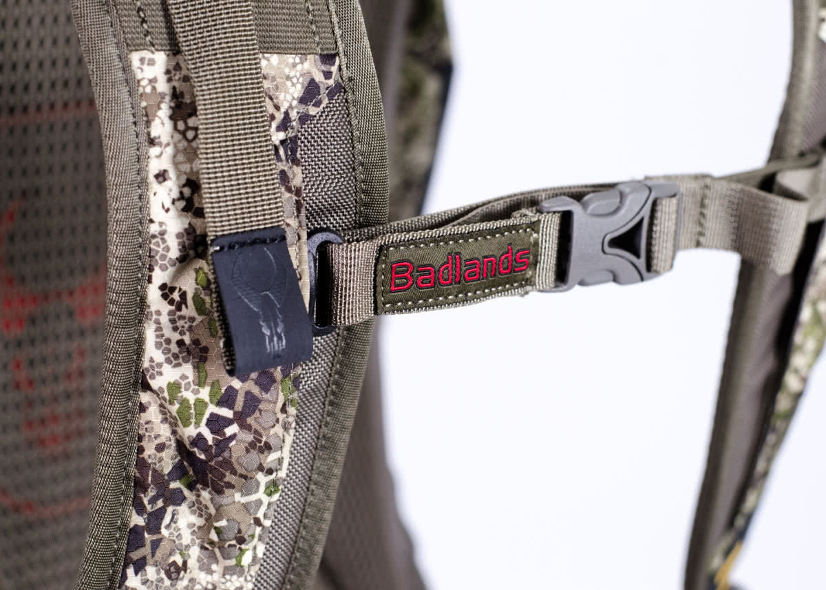 Badlands Packs Sacrifice LS Hunting Multi Day Backpack Chest Strap