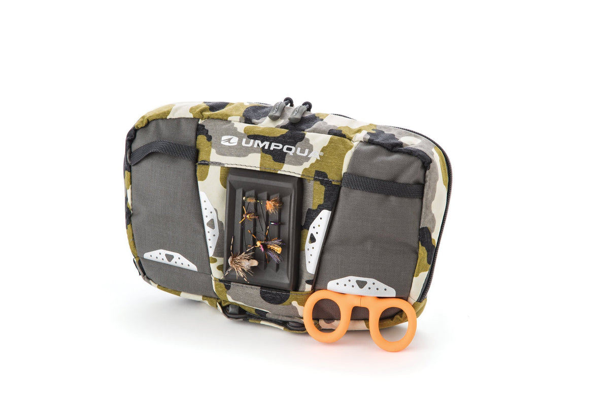 Umpqua Wader ZS Zero Sweep Chest Pack Camo Front Loaded