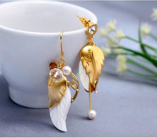 1 Pair Asymmetry Leaf Crystal Long Dangle Earrings Women Lady Girls Gold Silver Vintage Club Party Ear Stud Fashion Popular Gift Accessories Jewelry-Women Earrings-inSowni