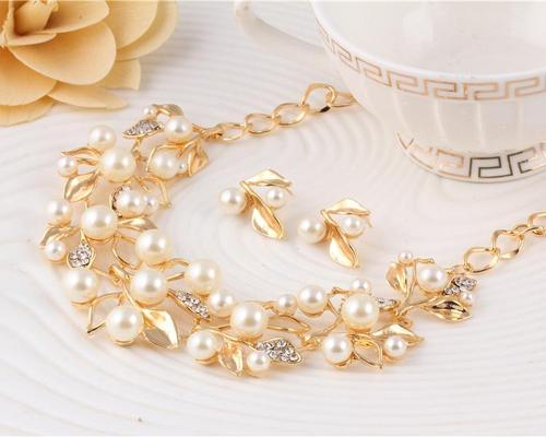 2pcs Women Alloy Gold Rhinestone Pearl Necklace Earrings Ear Stud Wedding Party Sweater Chain Set-Women Necklaces-inSowni