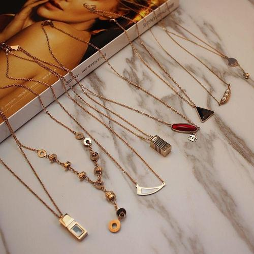 5pcs Women Titanium Steel Necklace Rose Gold Silver Pendant Chain Multi-Style Gift Jewelry Set-Women Necklaces-inSowni