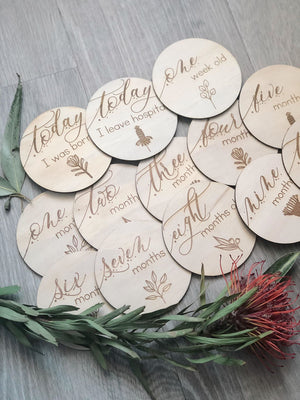 Wooden month milestone card discs - Australiana