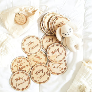 Wooden achievement milestone discs - Wreath