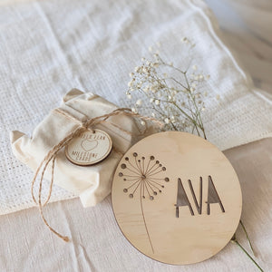 13.5 cm personalised name plaque\wall hanging - DANDELION