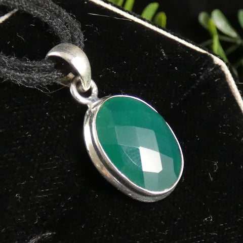 Green Onyx in Sterling Silver Pendant (825)