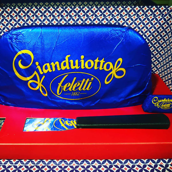 Gift box with 1kg gianduiotto with knife