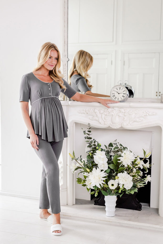 Stylish maternity pyjamas with an over-the-bump band /pregnancy pyjamas