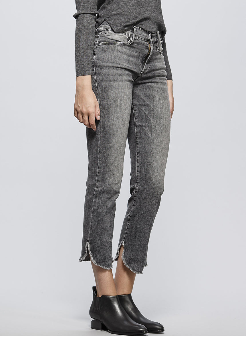 Le High Straight Petal Hem Jean