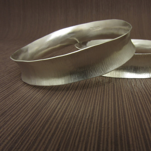 learn how to make anticlastic bangles at the Jewellery Summer School with Joanne Tinley Jewellery