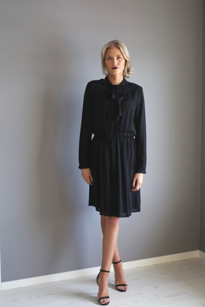 Borghild Preppy Dress - sort