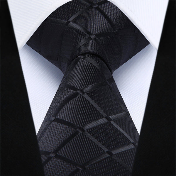 WW Signature Black Checkered Pattern Men Necktie