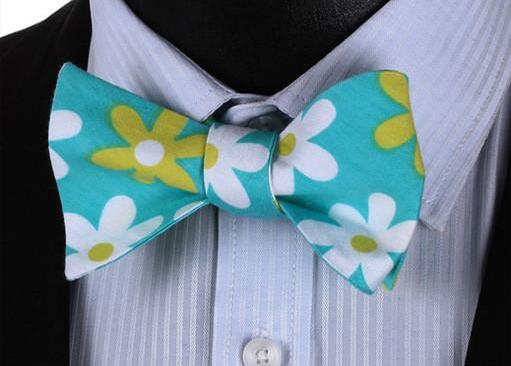 WW Signature Turquoise with White and Green Daisy Floral Print Men Bow Tie 100%Cotton