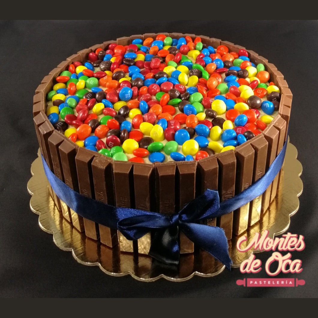 Queque M&M y Kit Kat