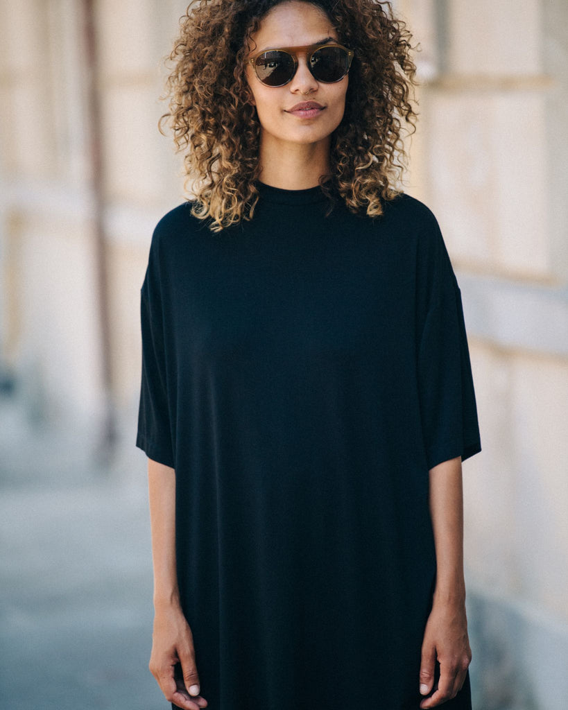 Black Oversize T-Shirt With Black Collar