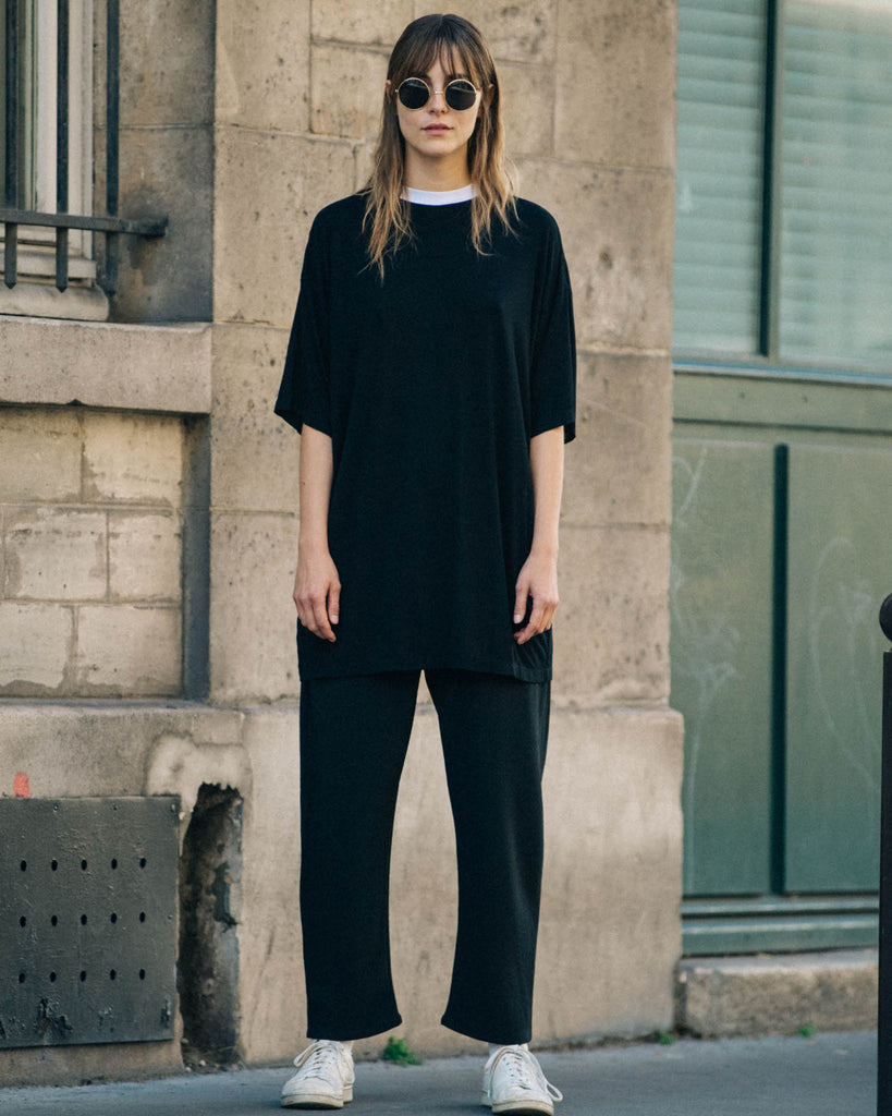 Black Oversize T-Shirt With White Collar