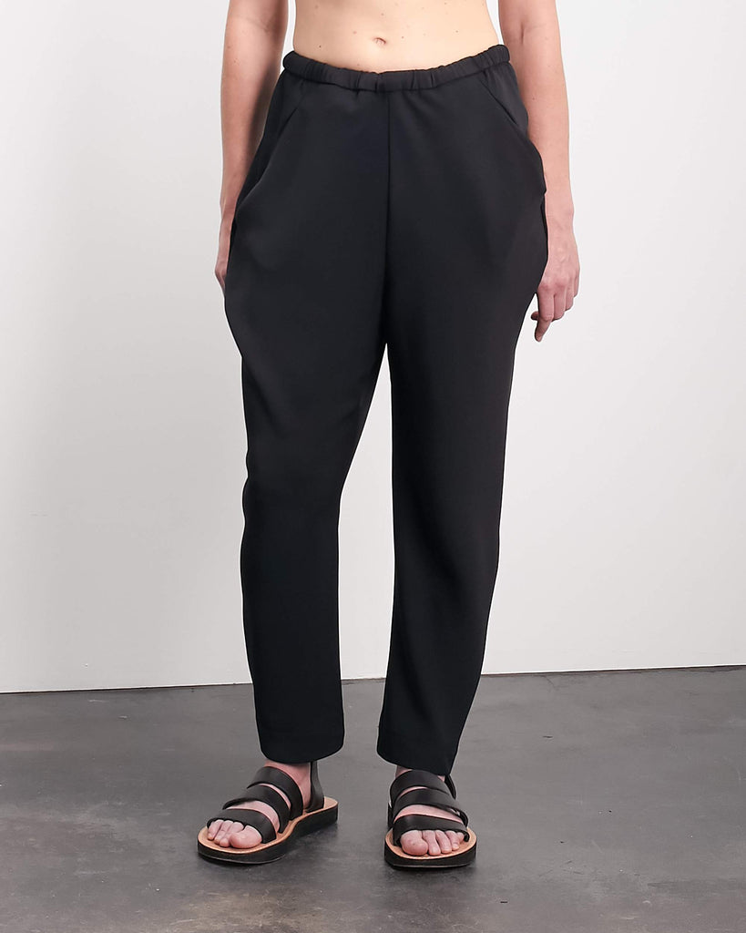 Black Drape Slim Cropped Pant