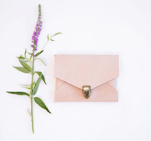 The Buckle Envelope