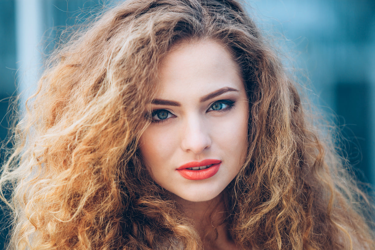 5 Tips for Beating Frizz In the Summer Heat