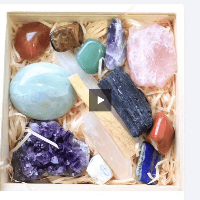 Healing Crystals & Palo Santo Gift Set 19Pc
