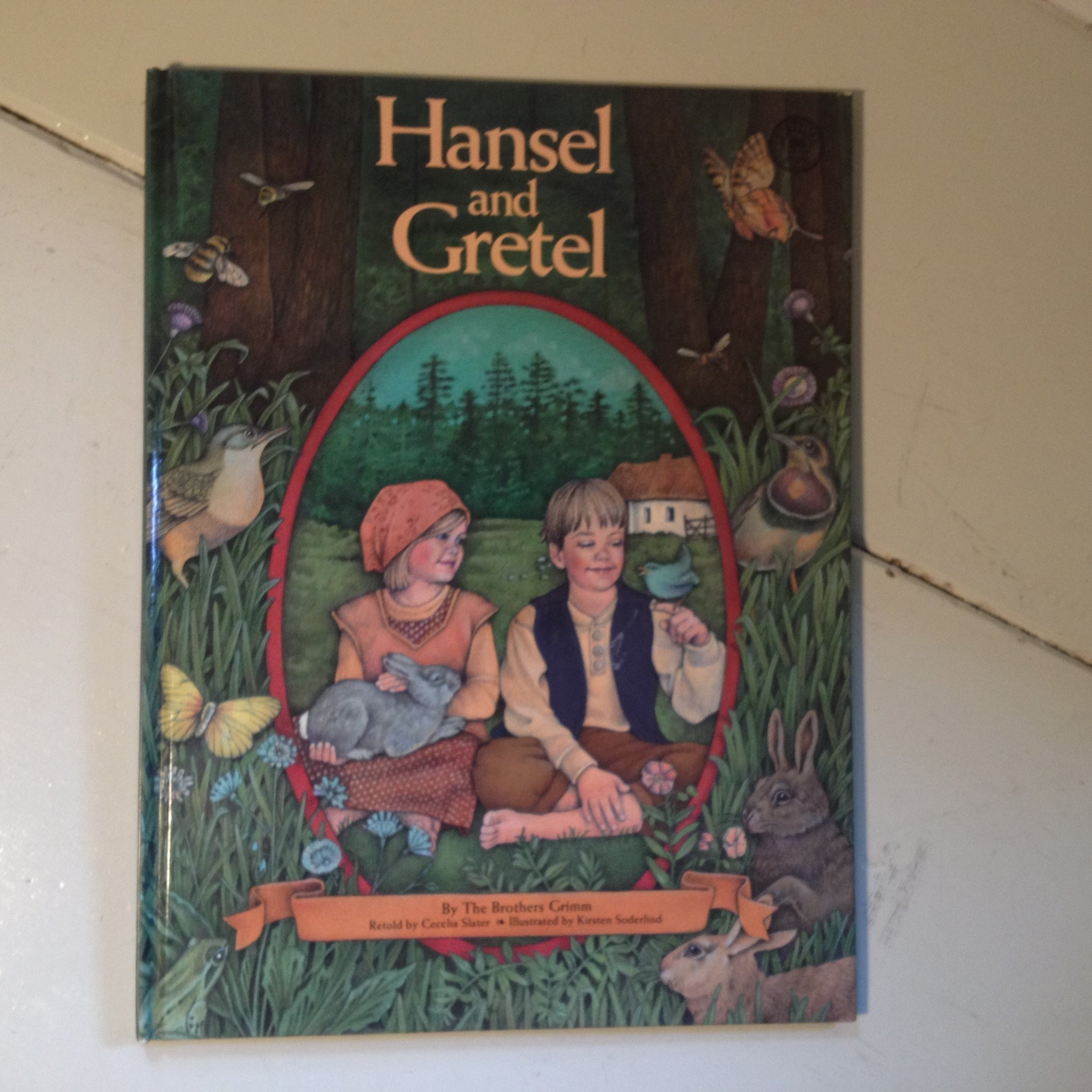 Hansel and Gretel by The Brothers Grimm Retold by Cecelia Slater