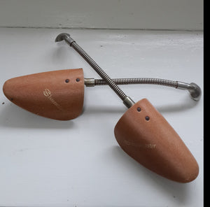 ShoeMaster Shoe Stretchers (Pair)