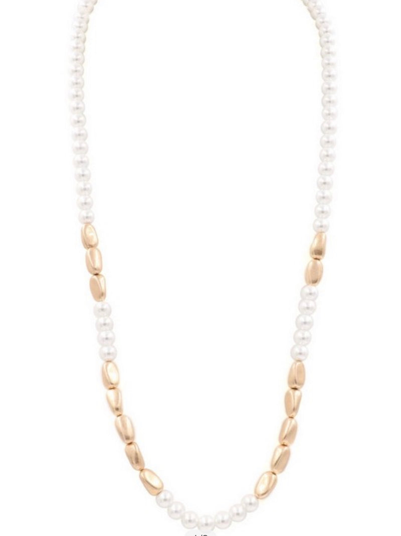 Acrylic pearl tone necklace