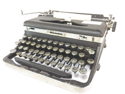 Royal Deluxe Antique Type Writer Made In USA
