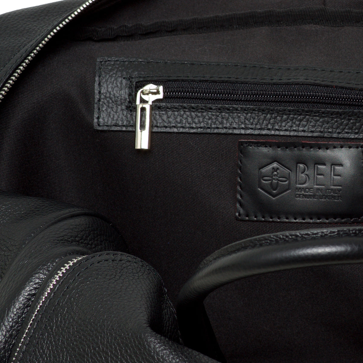 Greta Duffle Black - Leather duffle bag