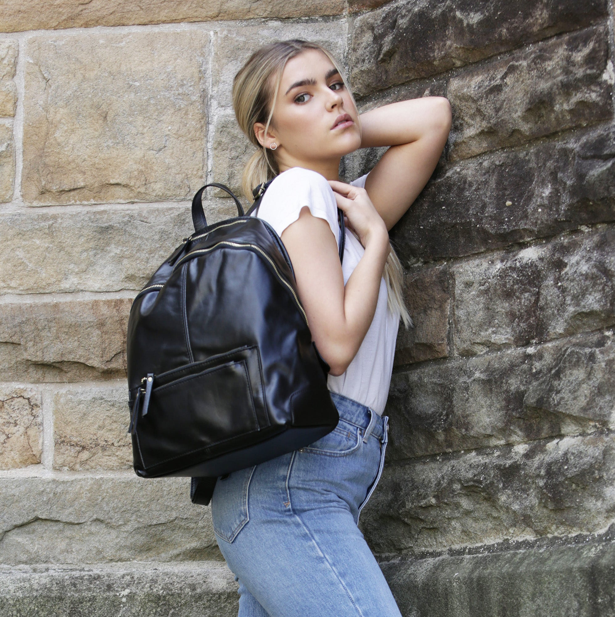 Naomi Black - Leather backpack