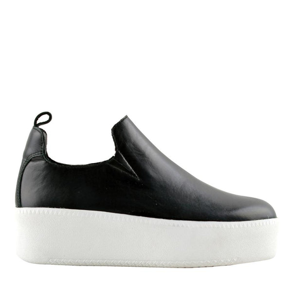 Finley Black Sneakers