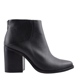 Leo Boot Black Tumbled