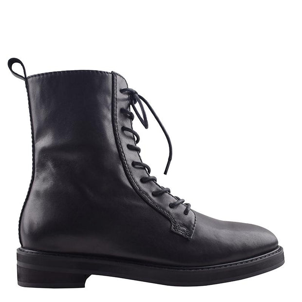 Waiter Boot Black