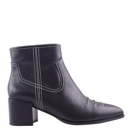 Wylie Boot Black/White