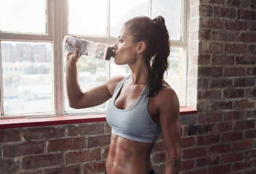 Not being hydrated is a common workout mistakes people make in the gym