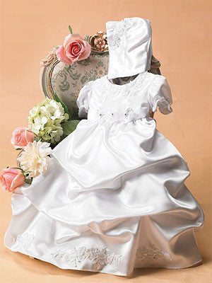 celebrate-the-arrival-of-newborns-with-christening-dresses