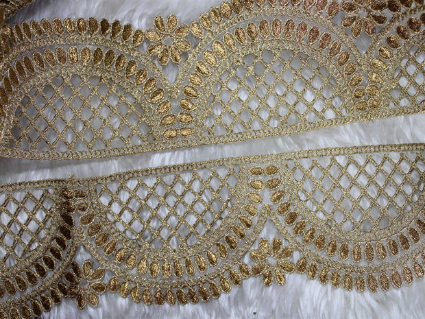 Golden Scalloped Zari Work Embroidered Border | The Design Cart