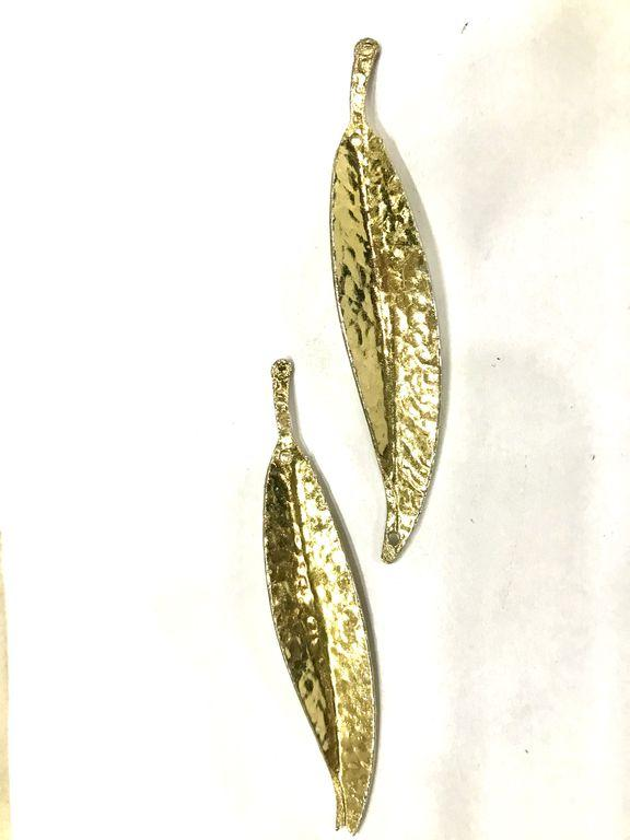 Designer Golden Metal Leaf Piece